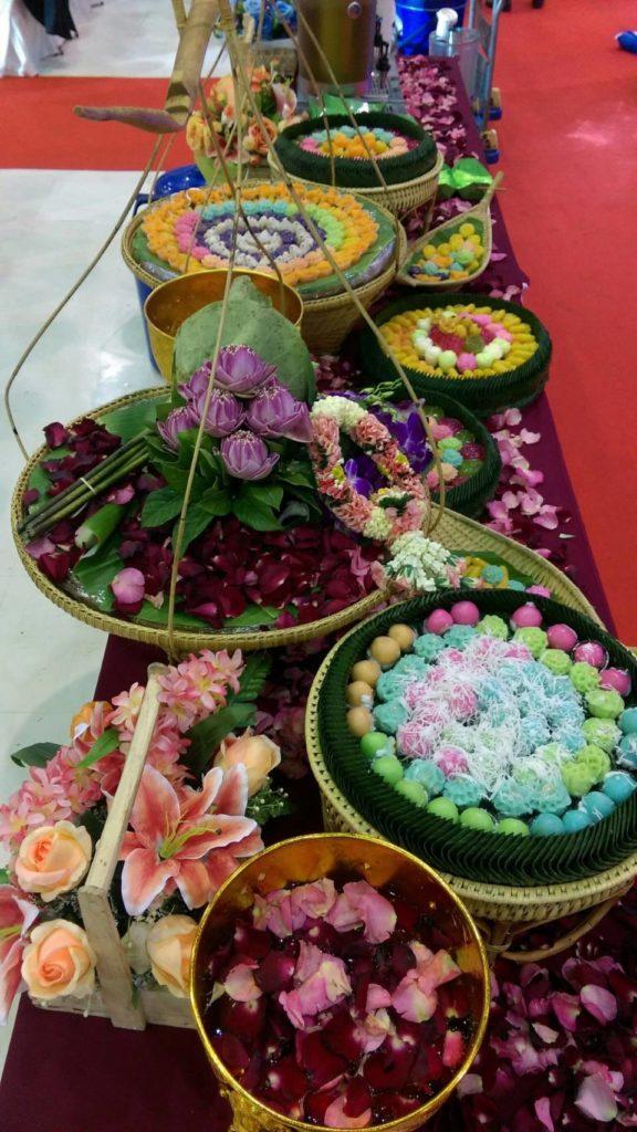 ขนมไทยในงานเลี้ยงที่เราเห็นเป็นประจำใครรู้บ้างว่าประวัติความเป็นมาต้นกำเนิดมาจากไหน ใช้ในพิธีไหนบ้าง เหมาะกับเทศกาลอะไร